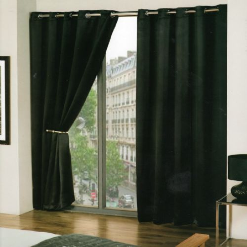 PLAIN BLACK COLOUR READYMADE THERMAL BLACKOUT LIGHT REDUCING EYELET CURTAINS